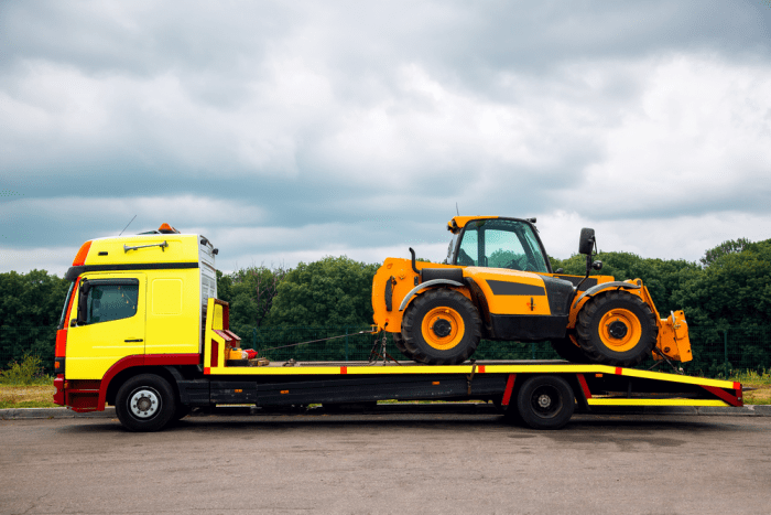 heavy equipment towing services